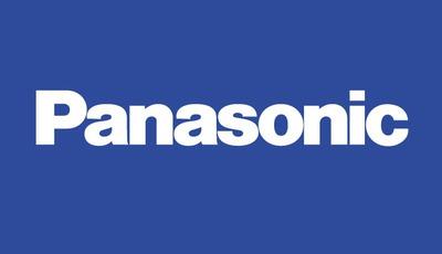 """Panasonic """"versteckt"""" Fernseher in der Schrankwand"""