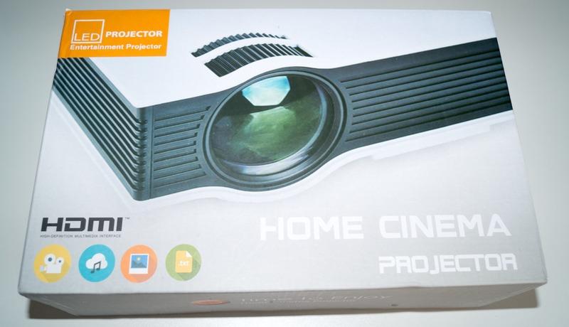 Billig LED Beamer (HD Ready) Verpackung