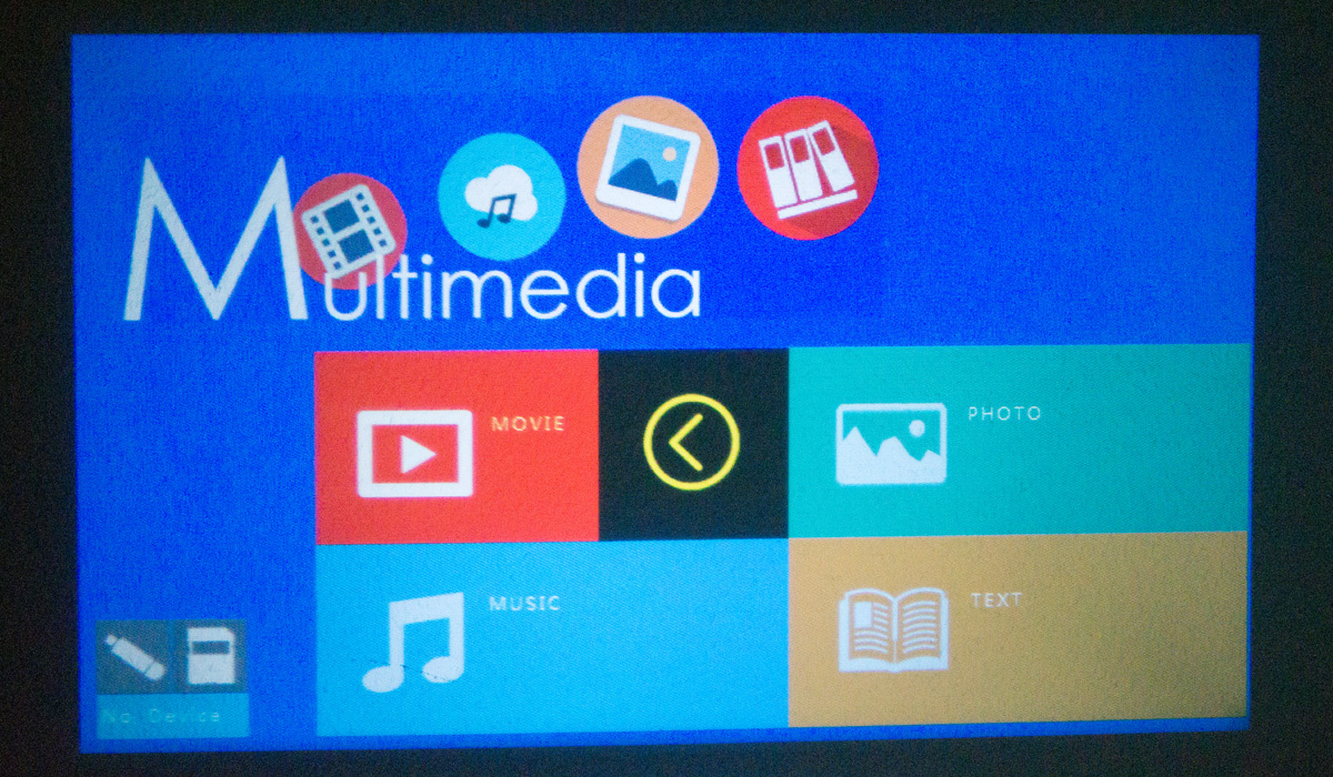 Billig LED Beamer (HD Ready) Media Center